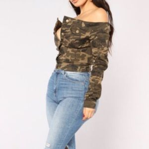 Cute & Sassy Off the Shoulder Camouflage Top 2X